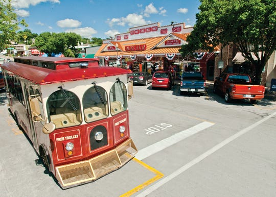 Take in the old-fashioned charm of downtown Branson with a ride on Sparky, a free trolley that makes the rounds.