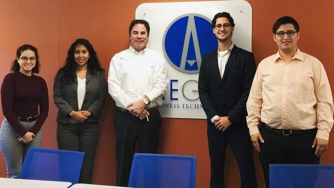FSU students of Dr. Harding's doing class work at Aegis in 2019.