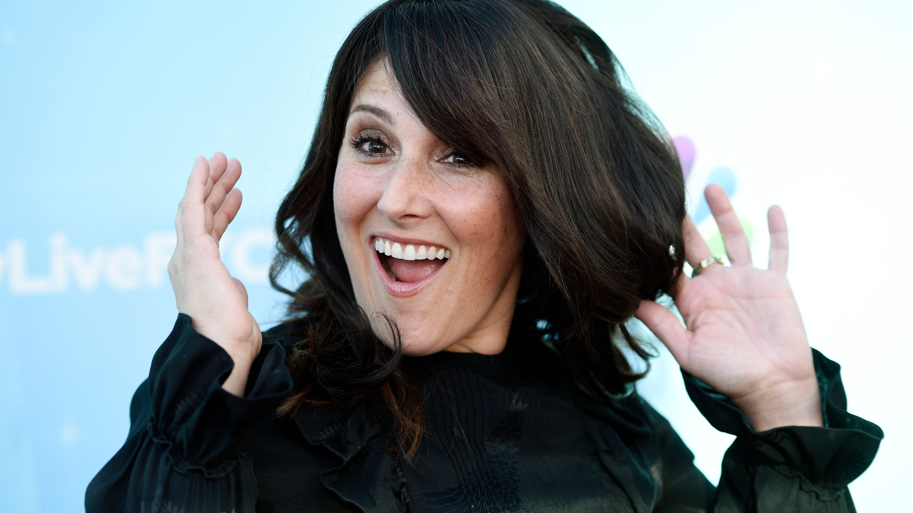 Weight loss diet 'I am liberated': Ricki Lake debuts buzz cu... thumbnail