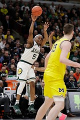 Cassius Winston shoots during the second half of Michigan State's win over Michigan in the Big Ten championship game last season in Chicago.