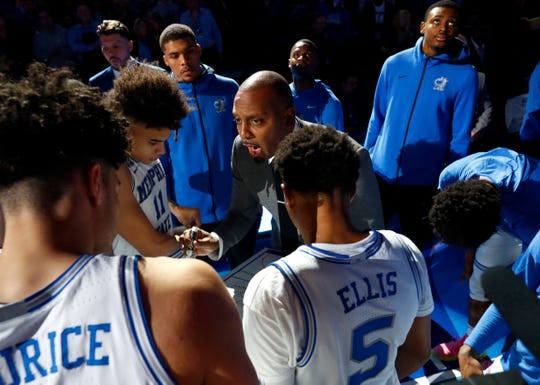 Memphis Tigers Head Coach Penny Hardaway talks to his team before they take on the Georgia Bulldogs at the FedExForum on Saturday, Jan. 4, 2020.