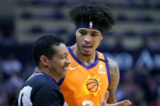 Phoenix Suns forward Kelly Oubre Jr. (3) in the first half during an NBA basketball game against the Phoenix Suns, Friday, Jan. 3, 2020, in Phoenix. (AP Photo/Rick Scuteri)