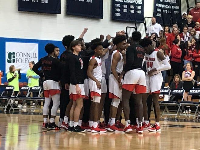 St. Joseph (Met.) vs. St. Thomas Aquinas boys basketball on Sunday, Jan. 5. 2020.