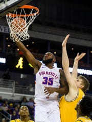 Evansville's John Hall (35) goes up for a shot during the first half against the Valparaiso Crusaders at Ford Center in Evansville, Ind., Saturday, Jan. 4, 2020.