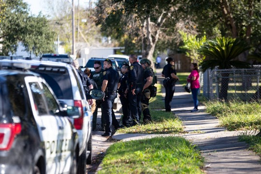 Corpus Christi police responded to a barricaded suspect on Rosebud Avenue on Monday, Jan 6, 2020. The man was taken into custody after a 15-minute standoff.