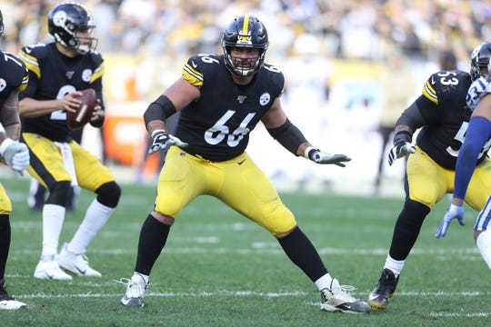 Nov. 3, 2019: Pittsburgh Steelers offensive guard David DeCastro (66) blocks at the line of scrimmage against the Indianapolis Colts at Heinz Field.
