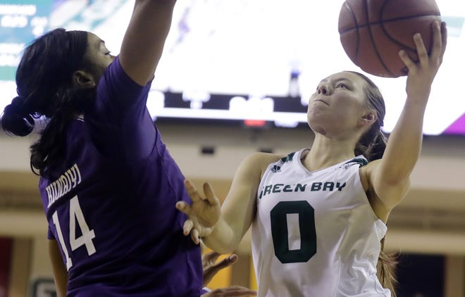 UWGB guard Hailey Oskey (0) is averaging 10.3 points in four games since returning from a stress fracture last month.