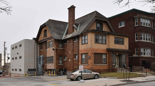 A vacant building across the street from the Pabst Mansion is being razed to expand the mansion's parking lot and outdoor event space.