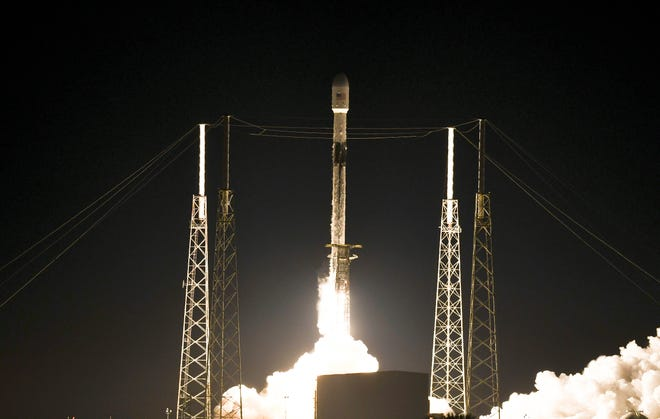 A SpaceX Falcon 9 rocket lifts off from Cape Canaveral Air Force Station Monday evening, January 6, 2020.  The rocket is carrying 60 Starlink communications satellites. Mandatory Credit: Craig Bailey/FLORIDA TODAY via USA TODAY NETWORK