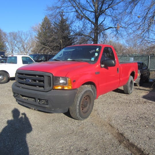 This 2001 Ford F-250 will be available at Midwest Auto Auction.