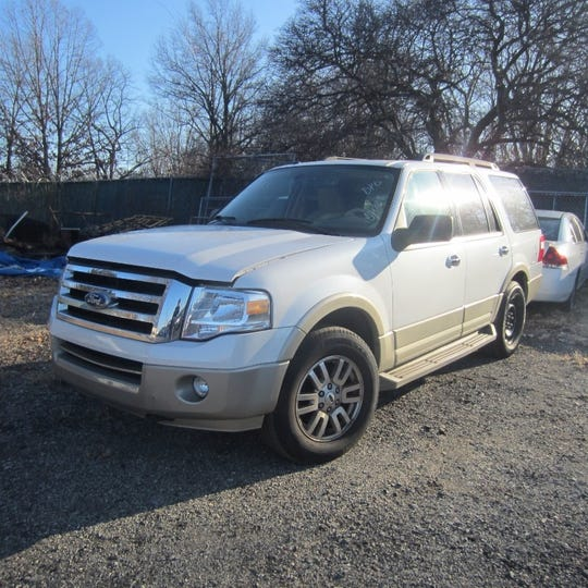 This 2010 Ford Expedition will be available at Midwest Auto Auction.