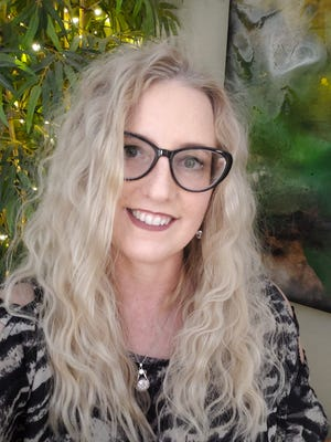 Elder Love USA was founded by Shannon Shea, who has a masters degree in gerontological social work and is currently pursuing her doctorate in gerontology leadership from Concordia University.