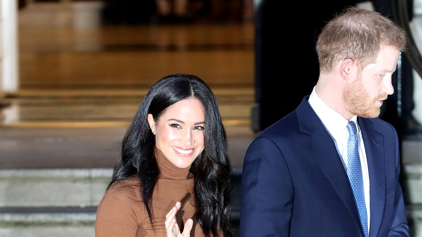Fans express shock, voice support after Harry, Meghan step back in 'major' move thumbnail