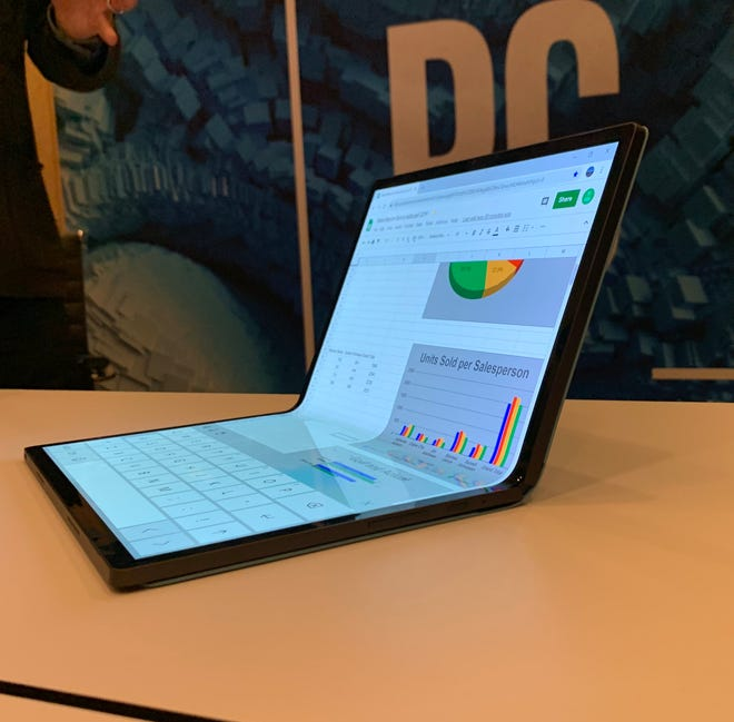 """Intel's Foldable 2-in-1 Concept Laptop called """"Horseshoe Bend."""""""