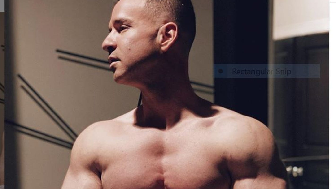 'Jersey Shore': Mike 'The Situation' Sorrentino rules the internet with a blanket