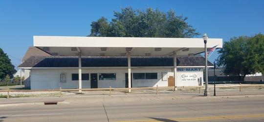 Former Uni-Mart on Washington Street, Two Rivers