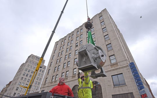 Park Avenue West at the square was closed Wednesday so elevator parts could be hoisted by crane on and off  the top of the Richland Bank building. Bank president Chris Hiner said the elevators are being replaced. The one-day road closure was for Wednesday only.