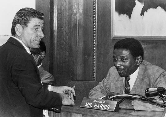 Herman Harris and Montgomery Mayor Emory Folmar on October 9, 1979.