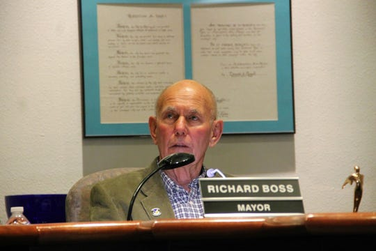 Alamogordo Mayor Richard Boss at the City Commission workshop Jan. 7.  The Alamogordo City Commission held a workshop Jan. 7 discussing New Mexico's Sunshine Laws and Robert's Rules of Order.