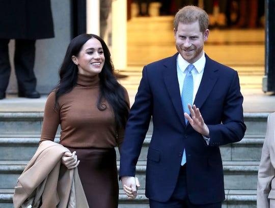 Meghan Markle y el Príncipe Harry anuncian que se separan de la familia real.