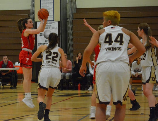 Kaleigh Beirne knocks down a third-quarter 3 for Tappan Zee, which hung on after blowing a big lead and posted a 58-54 league win at Clarkstown South on Jan. 7, 2020.