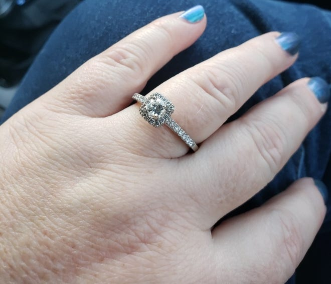 A Toms River couple needs your help finding this ring that they say was lost at a Planet Fitness gym.