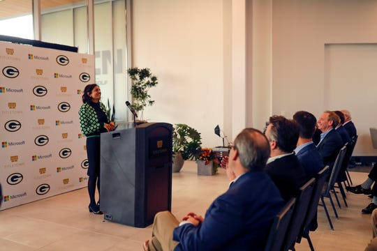 Oculogica CEO Rosina Samadani spoke to a group of Green Bay area business and community leaders at TitletownTech in October.