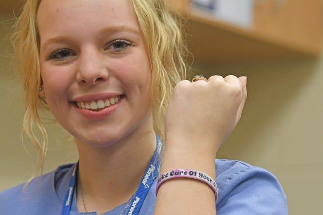Jaime Anthony created a bracelet to raise money for the Richland County Dog Shelter.