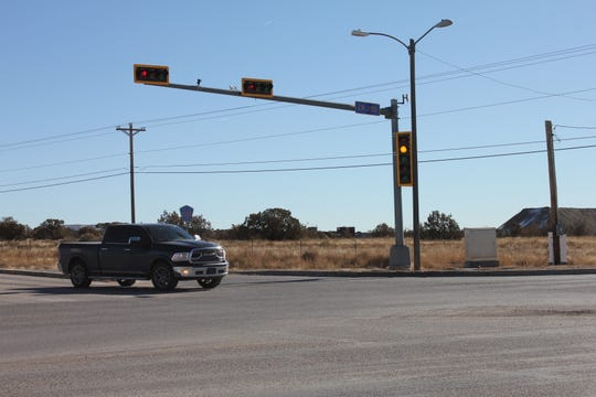 The current traffic signal on County Road 350 flashes yellow for traffic traveling one direction and red for traffic traveling the other direction. That will change on Jan. 13.
