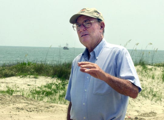 Pete Dye at Kiawah Island, South Carolina, in 2002.