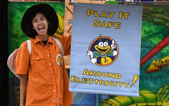 AEP Texas brings electrical safety directly to the classroom through fun, interactive and live performances.