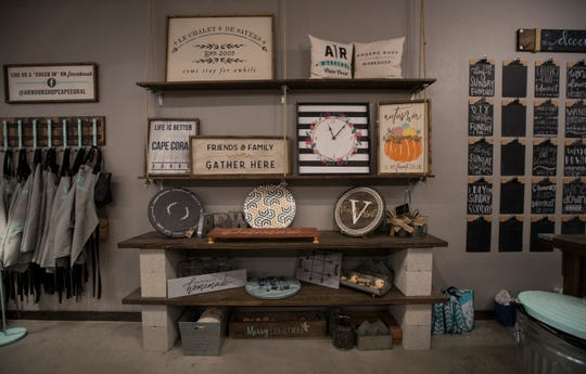 A variety of projects are possible for clients at AR Workshop in Cape Coral. The business offers its clients the opportunity to participate in hands-on DIY classes guiding them in the creation of a variety of custom home decor options from raw materials.