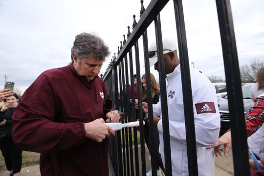Mike Leach arrived in Starkville on Thursday to begin duties as Mississippi State football's new head coach.