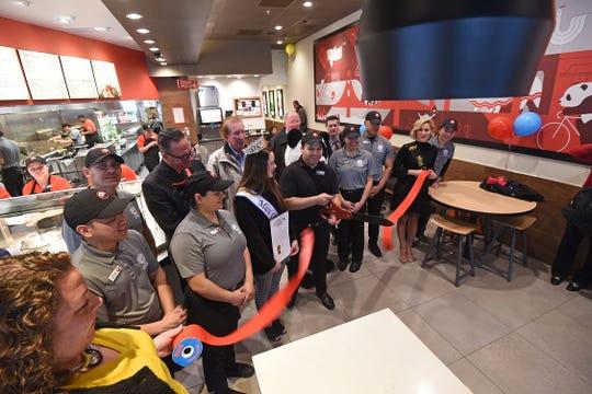 The new Panda Express restaurant in Ontario had its ribbon-cutting  Friday morning.