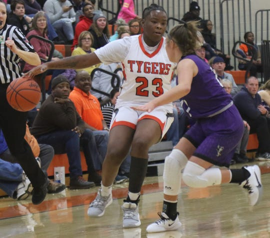 Mansfield Senior's Jayjahnae Feagin led the Lady Tygers with 15 points and 10 rebounds in a 39-26 loss to Lexington on Thursday night.