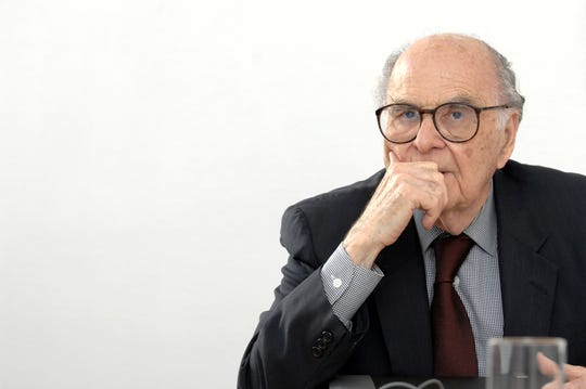 Public relations legend Harold Burson dies at 98.
