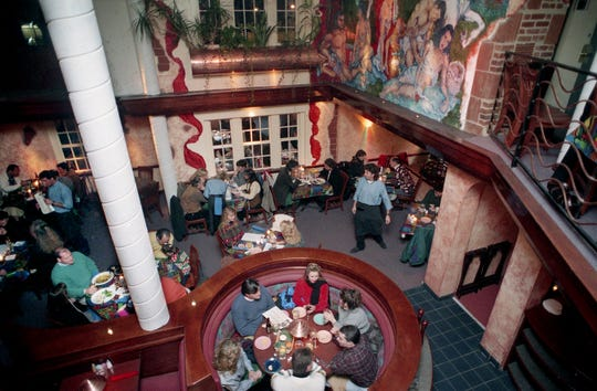 Diners are enjoying the visual and culinary boundaries of the new Bound'ry Restaurant at 913 20th Avenue South Jan. 6, 1995. Murals and unique sculptures that appear to emerge from the wall add to the unique décor.
