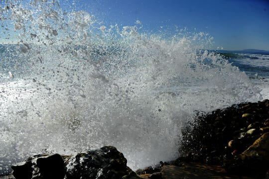 Forecast: Watch out for sneaker waves, rip currents as high tide, surf hits Ventura County