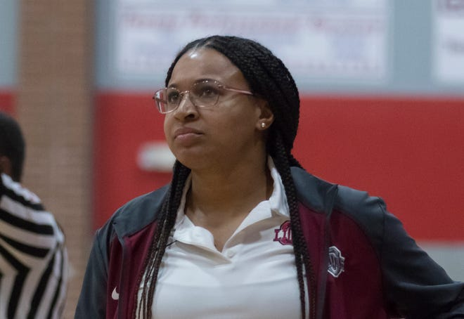 Obaze-Ford's record at Ouachita was 133-43 (.756) in five seasons. Her time on Millhaven Road included three District 2-5A championships, two undefeated finishes in the district, four consecutive quarterfinal appearances and a runner-up finish.