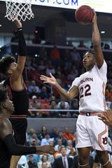 Auburn guard Allen Flanigan (22) scores against Georgia on Saturday, Jan. 11 2020, in Auburn, Ala.