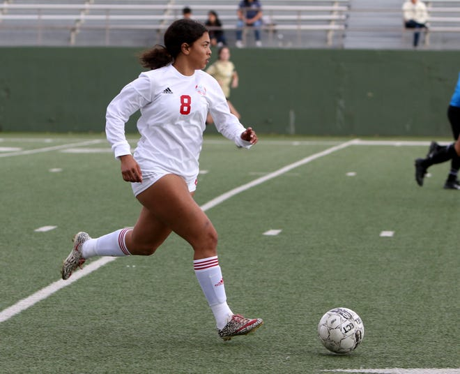 Hirschi's Yahaira Owens dribbles in the match against Rider Friday, Jan. 10, 2020, at Memorial Stadium.