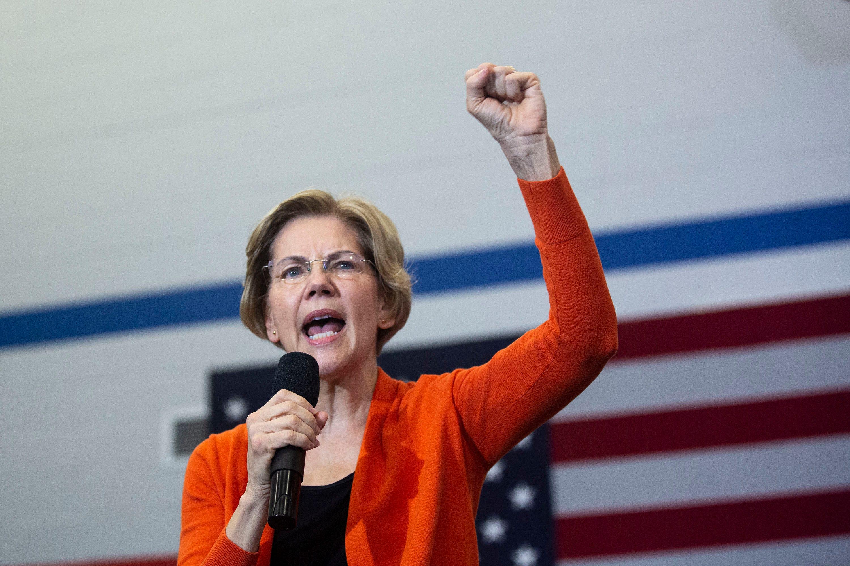 Elizabeth Warren  disappointed  by Bernie Sanders volunteers  attacks; Sanders says the dispute is a  media blow-up