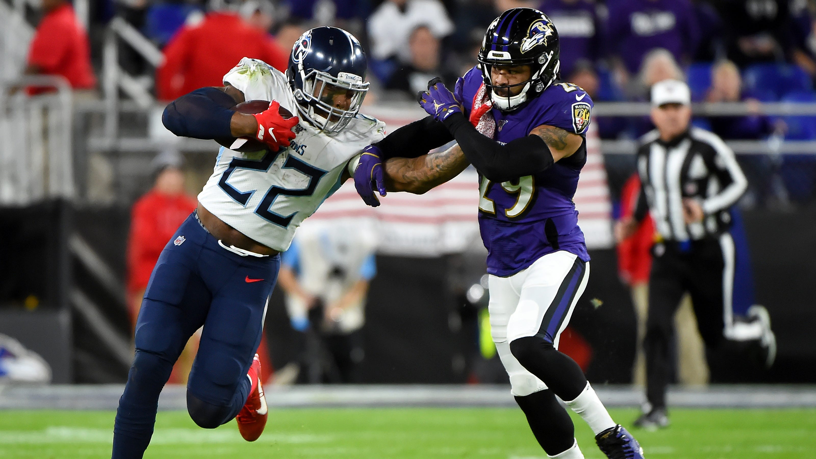 Titans Derrick Henry Reveals What He Told Earl Thomas After Stiff Arm
