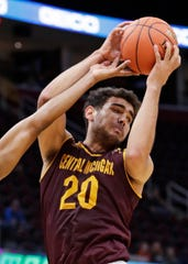 Kevin McKay had 19 points and 12 rebounds in the Chippewas' win over the Broncos.