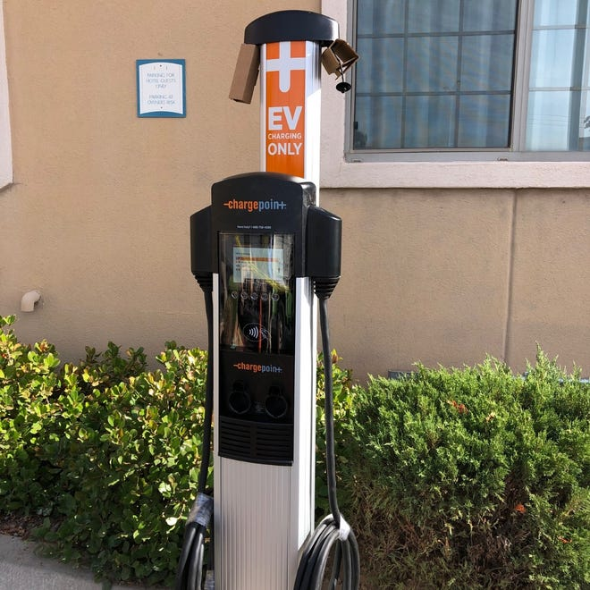 Staybridge Suites in Las Cruces has installed a ChargePoint EV charge station for electric vehicles.