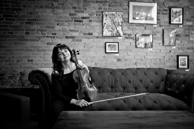 Richmond Symphony Orchestra concertmaster Mari Lunde