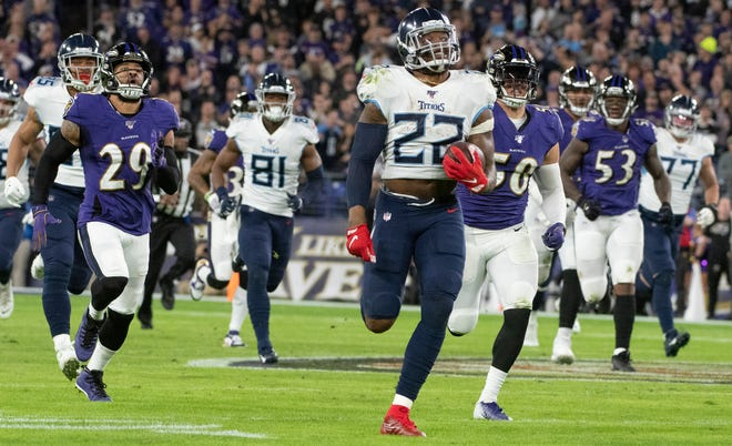 Derrick Henry rushed for 195 on 30 carries as the Titans upset the Ravens.