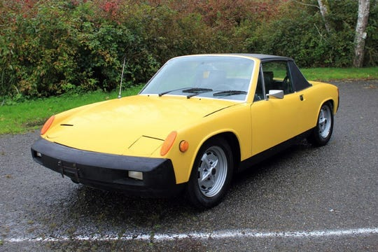 This 914 Targa comes with a replaced battery, front and rear brake hoses, rebuilt brake calipers and rear parking brake cables.