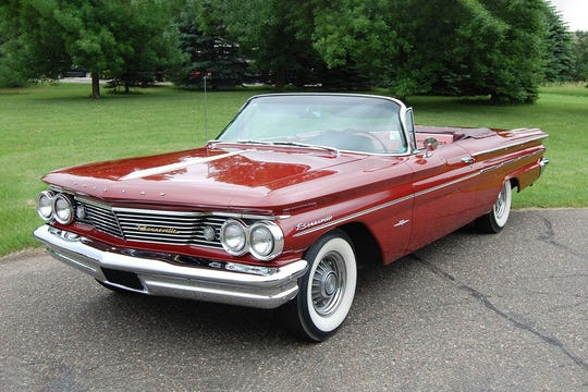 American adventure novelist and underwater explorer Clive Cussler will see his1960 Pontiac Bonneville convertible auctioned off Wednesday. The carhas been on display in Colorado and in a car museum in Minnesota.