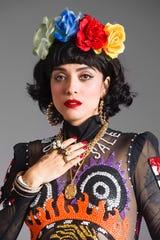 La cantautora chilena, radicada en México  ha logrado imponer su singular estilo.